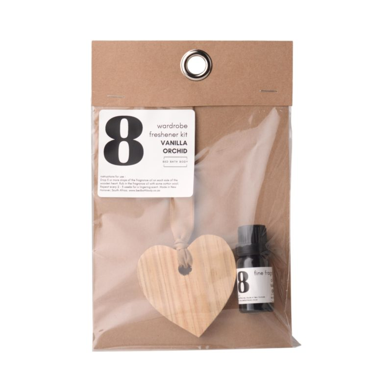 Bed-Bath-Body-wooden-heart-on-ribbon-11ml-fragrance-oil-wardrobe-freshener